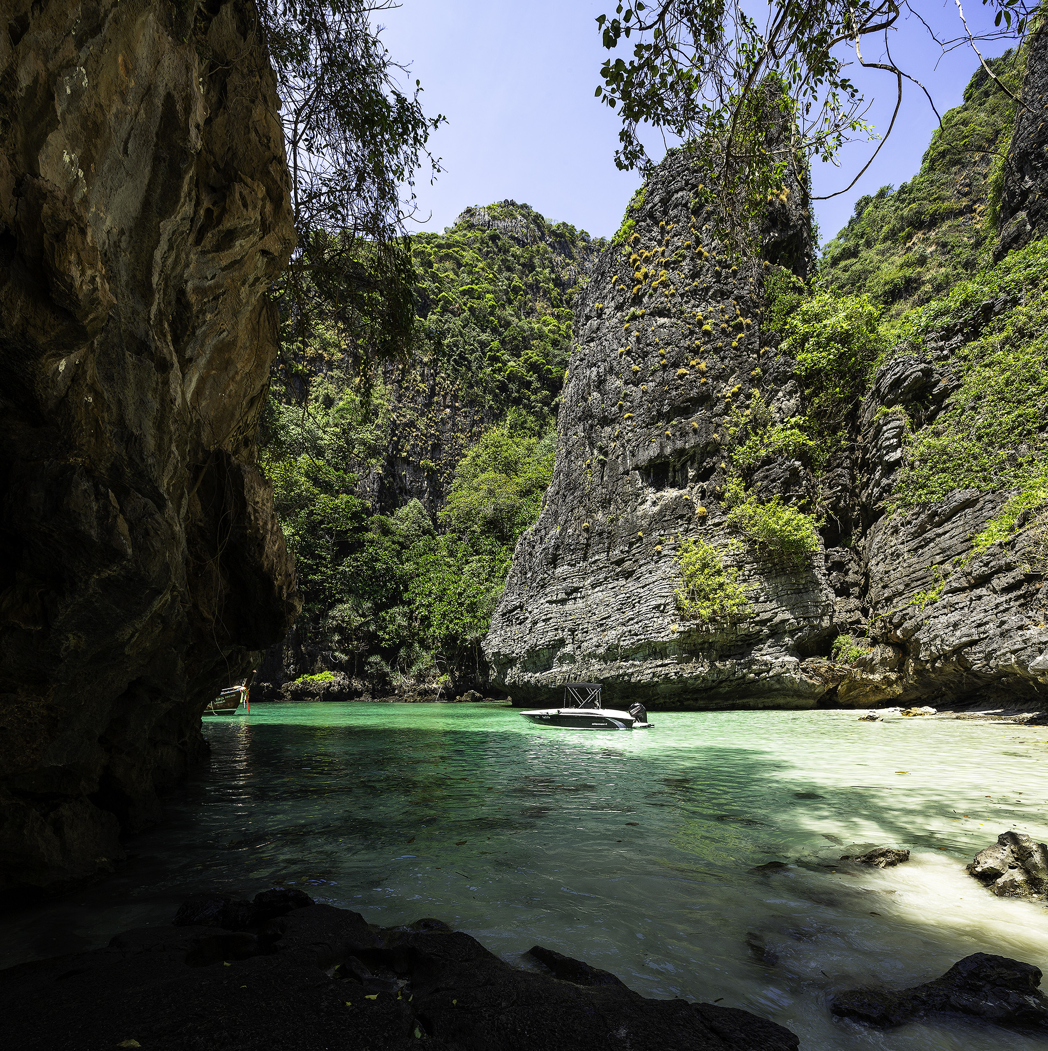 Phi Phi Beach: The Top 10 Things To Do And See In Koh Phi Phi